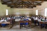 Schulbibliotheken_Tansania_Kinderdorf-Pestalozzi