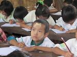 Unterricht-für-Binnenvertriebenen-Camps_Myanmar/Burma_Kinderdorf-Pestalozzi
